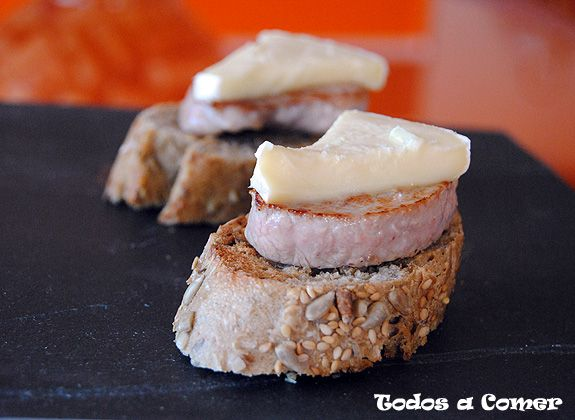 tostasolomilloqueso_500px